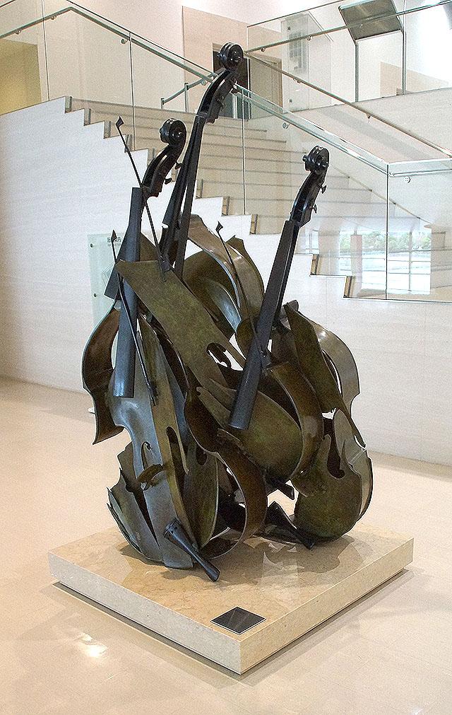 shimanemuseum_violin.jpg