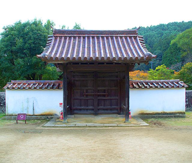 shizutanischool_gate2.jpg