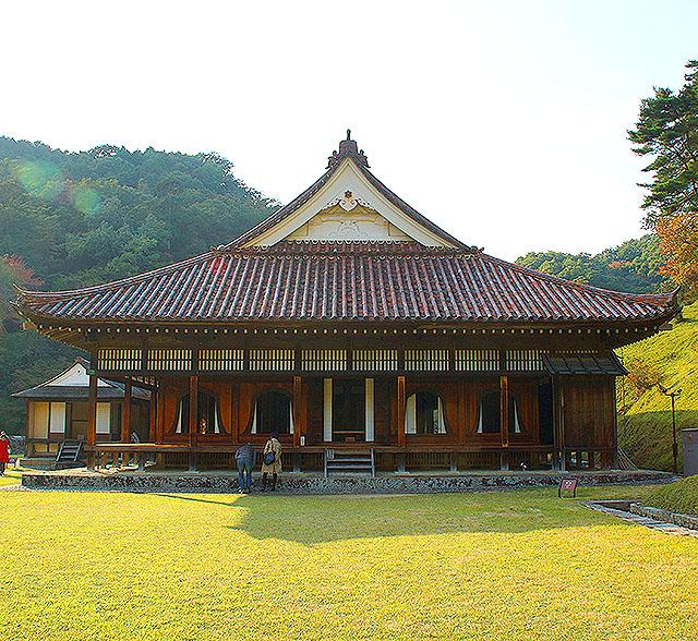 shizutanischool_kodo_facade.jpg