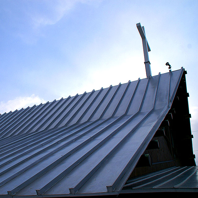 stmichaelchurch_roof1a.jpg
