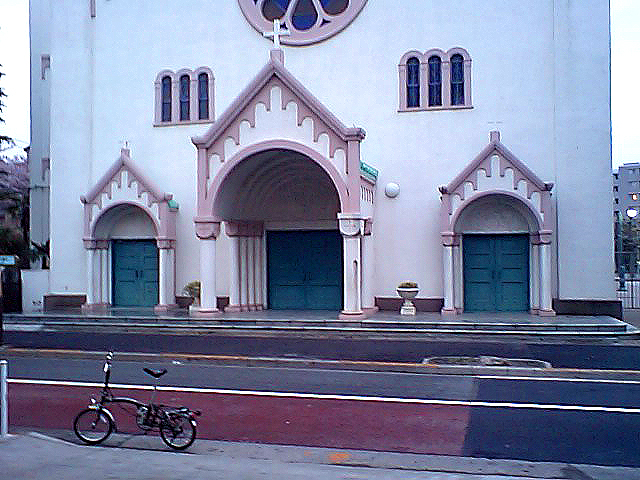 tcgm08_saregio_church.jpg