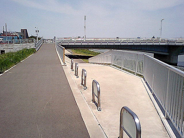 tcgm10_bridge_through.jpg