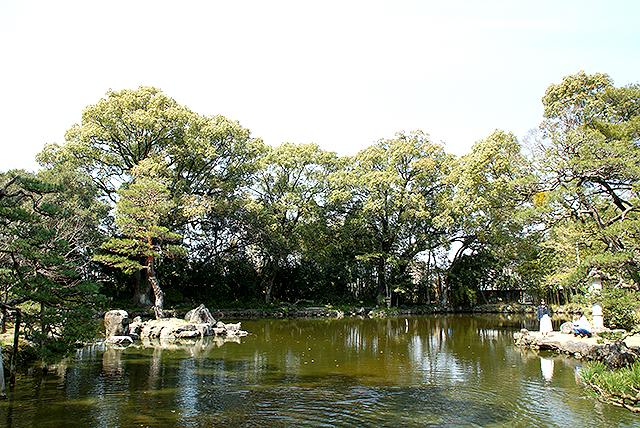 tenshaen_pond.jpg