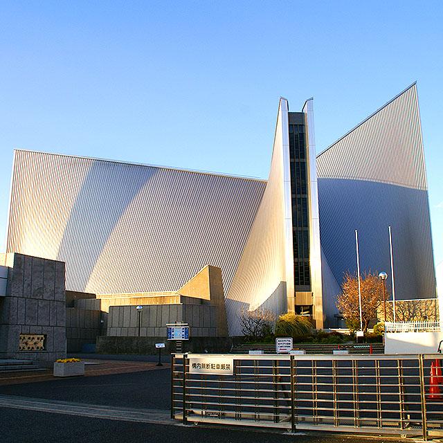 tokyo_catedral_facade_left1a.jpg