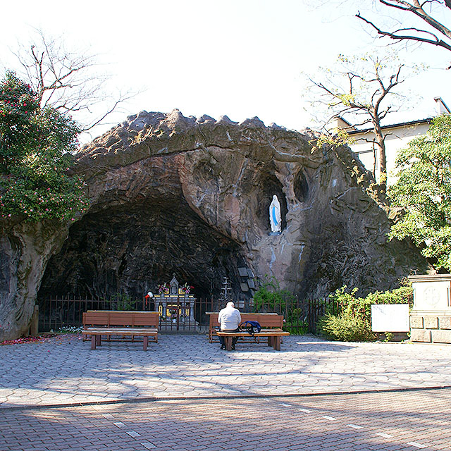 tokyocathedral_cave1a.jpg