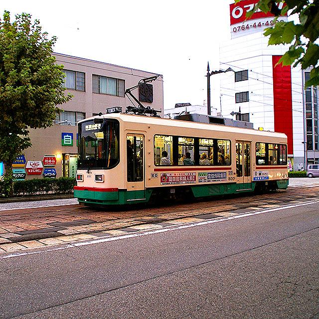 toyama_shiden.jpg