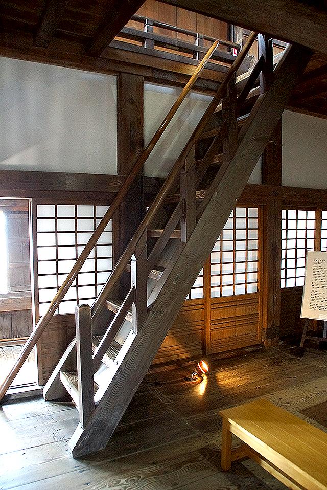 uwajimajo_stair2.jpg