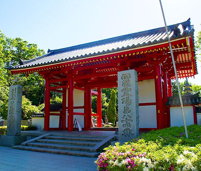 yashimaji_torii.jpg