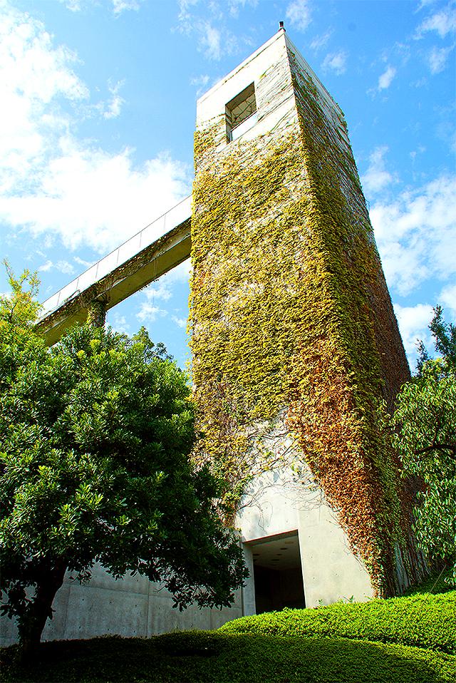 yumebutai_tower1a.jpg