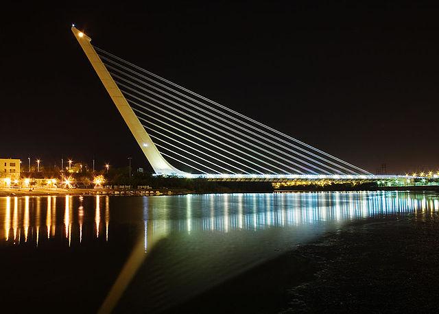640px-Calatrava_Puente_del_Alamillo_Seville.jpg