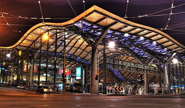 640px-Southern_cross_station_night.jpg