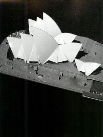 LK_SydneyOperaHouse.jpg