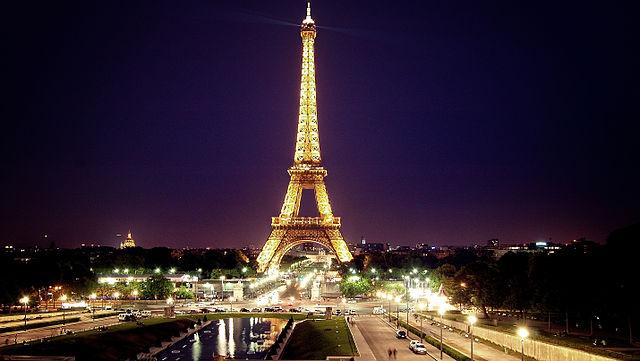 Tour_eiffel_de_nuit.jpg