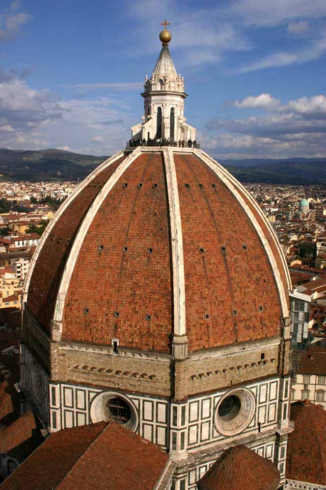 View_of_the_Duomo's_dome,_Florence.jpg