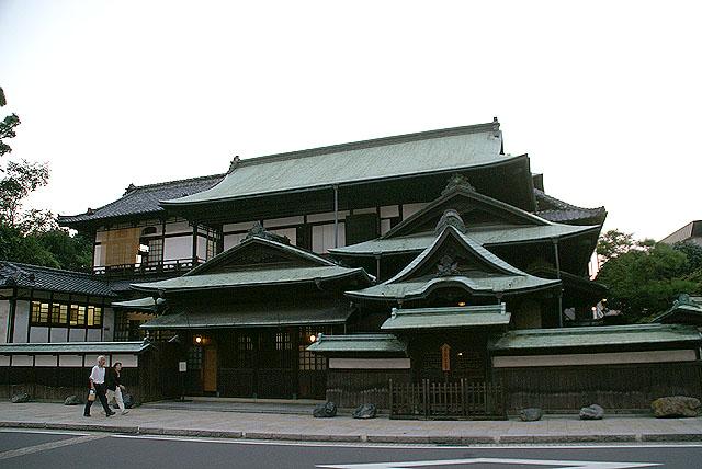 arai_dougo_honkanura.jpg