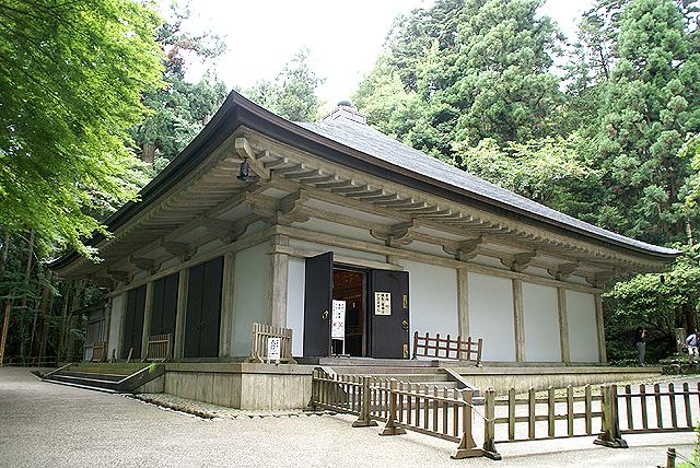 chusonji_konjikido2.jpg