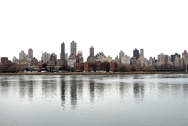 eastriver_from_queens.jpg