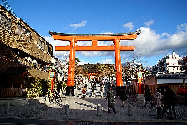 fushimiinari_entrance.jpg