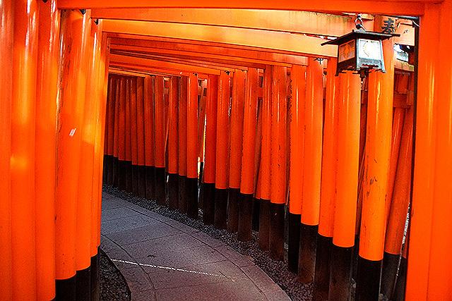 fushimiinari_senbontorii2.jpg