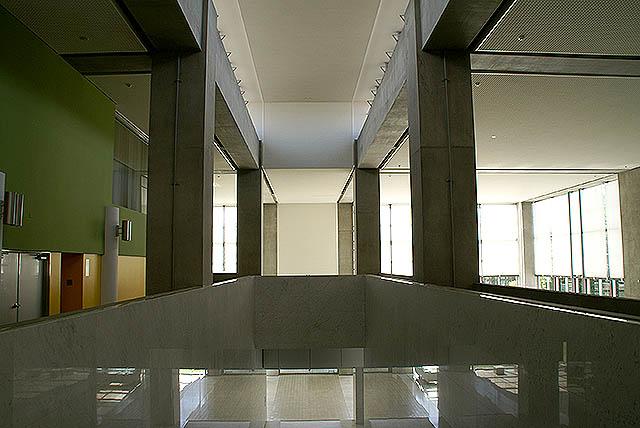gunmakenbi_2f_stairwell.jpg