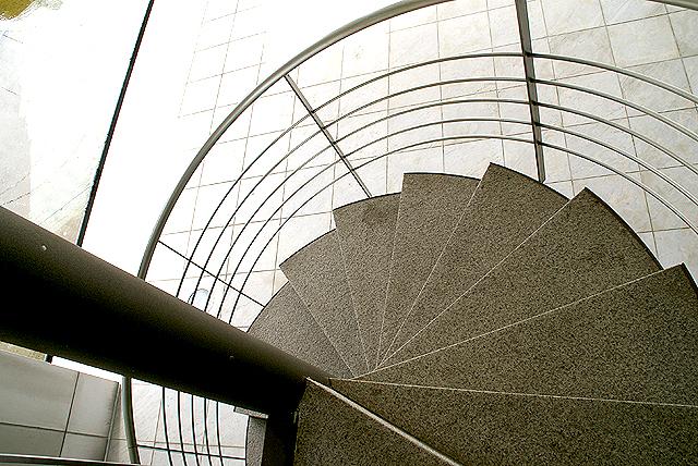 gunmamuseum_spiralstair2.jpg