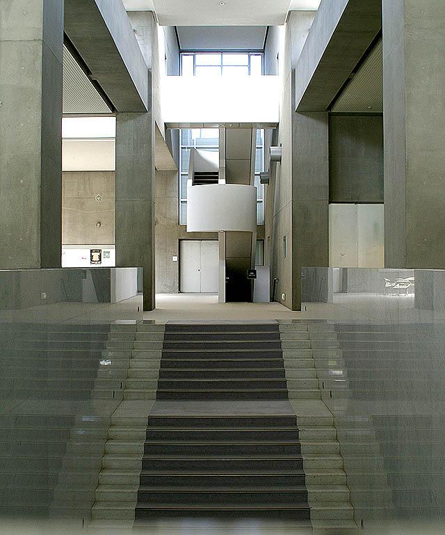 gunmamuseum_stair2.jpg