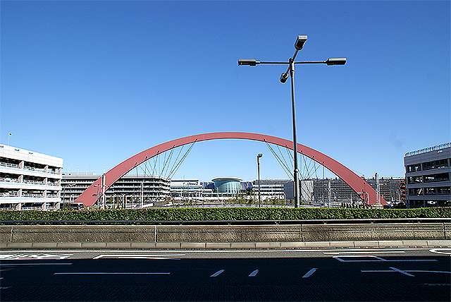 haneda_airport_arch.jpg