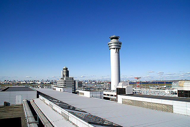haneda_airport_tower.jpg