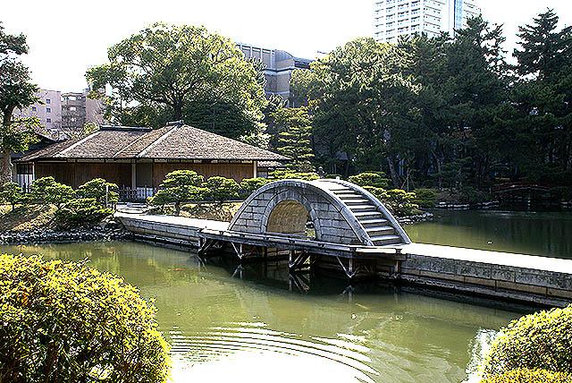 hiroshima_shukkeien_stonebridge.jpg