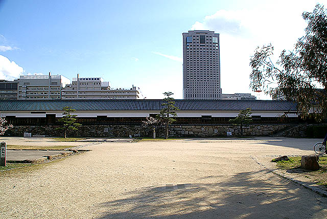 hiroshimajo_joheki1.jpg