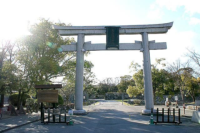 hiroshimajo_torii.jpg