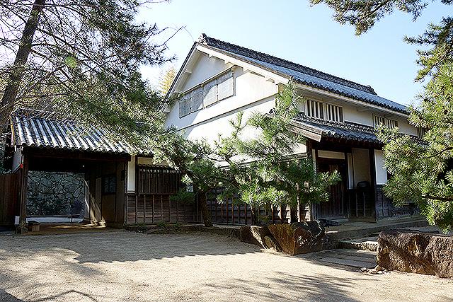 isamunoguchi_murehouse.jpg