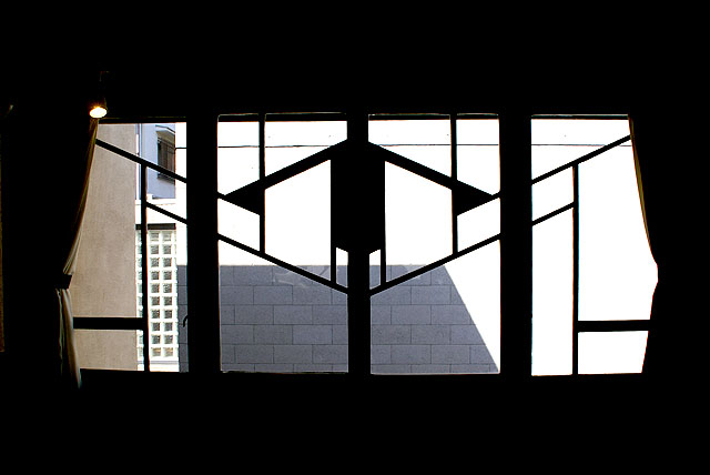 jiyugakuen_window2.jpg