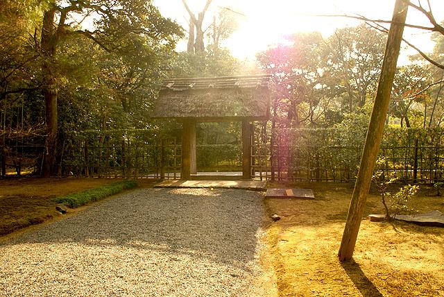 katsurarikyu_gate.jpg