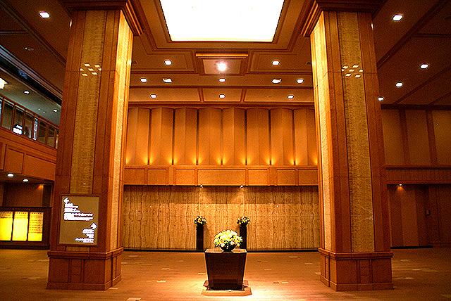kokyo_empelerhotel_baccside.jpg