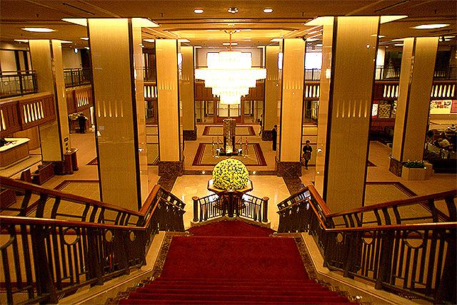 kokyo_empelerhotel_lobby2.jpg