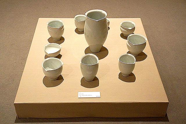 kudoshoji_whitecups.jpg