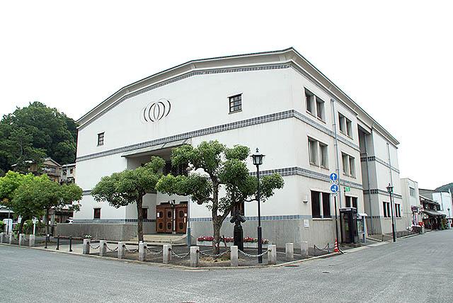 kurashiki_publiccenter.jpg
