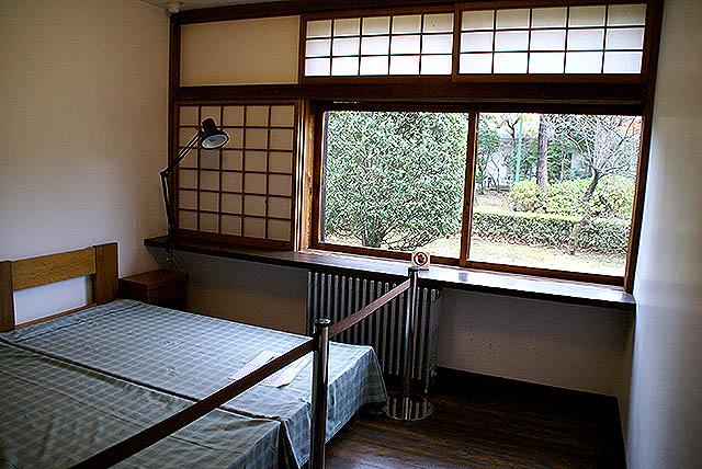 maekawajitei_bedroom.jpg