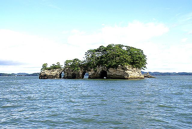 matsushima_island1.jpg