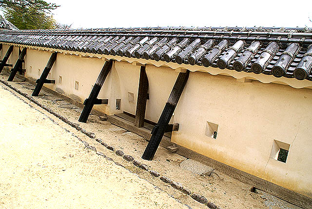 matsuyamajo_wall.jpg