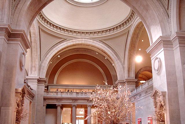 metropolitan_hall1.jpg