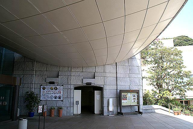 moa_entrance2.jpg
