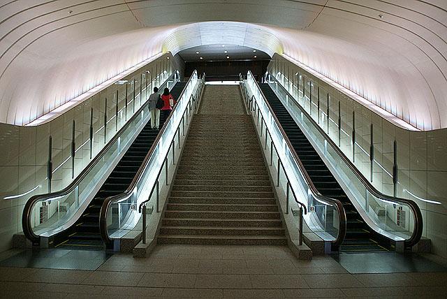moa_escalator1.jpg