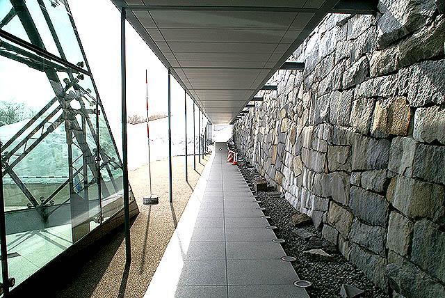 moerenuma_glasspylamid_entrance.jpg