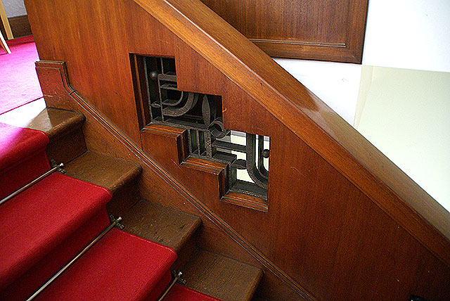 mtam_in_stairside2.jpg