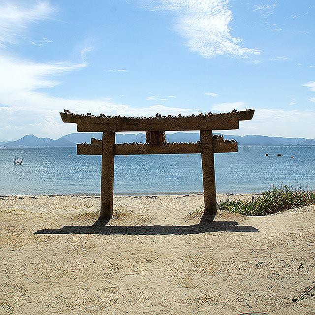 naoshima_torii.jpg
