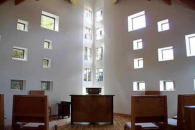 naoshimachurch_chapel1.jpg