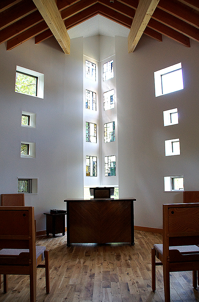 naoshimachurch_chapel2.jpg