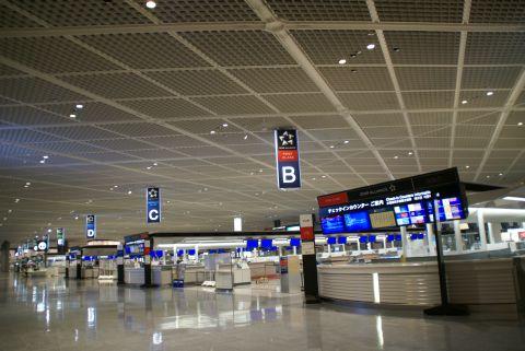 narita_airport1_deparureloby.jpg
